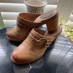Frye. Light Tan Leather Heeled Clogs.